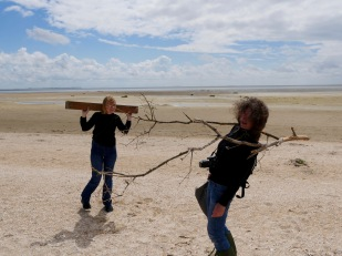 artists Maj Horn and Annette Skov exploring the landscape at Fanø, photo credit: Eduardo Abrantes