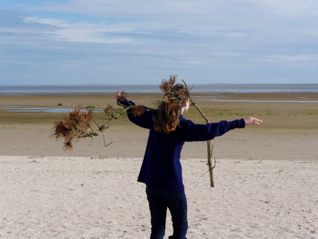 bodily explorations of landscape at Fanø, photo credit: Eduardo Abrantes
